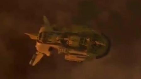 最大的鸟类巨兽, 在空中一张嘴就能吞下一艘太空战舰,影片精彩
