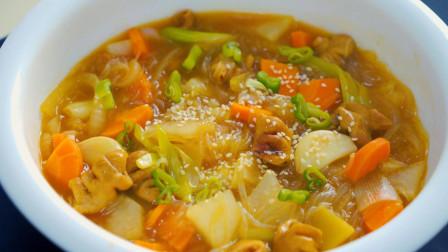 肥肠乱炖的做法,鲜香可口,汤多味美,一顿饭能吃掉一盆