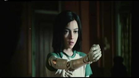 《阿丽塔:战斗天使》武术设计极具东方魅力,一招一式中能看出《叶问》等经典功夫电影的影子