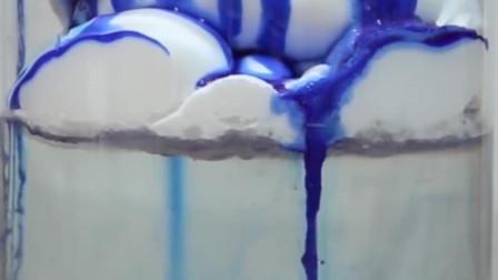"""""""美味的冰淇淋蛋糕"""",蓝色的""""酱汁儿""""更吸引人?你敢吃么?"""