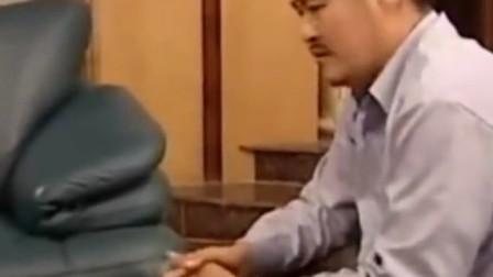 刘老根看电视桑拿按摩小姐被抓,儿子整日在外应酬,心生担心