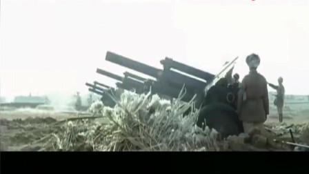 在林彪和聂荣臻等的指挥下,向天津发起了总攻,重炮坦克