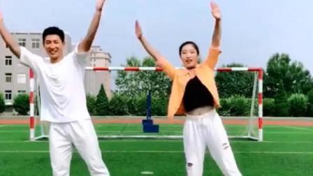 幼师班的《98k》,这个舞蹈简单好学,适合大班的小朋友们