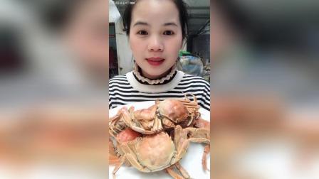 小螃蟹有段时间没吃了, 还是那么肥, 虽然个头不大, 但是好吃。