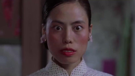 阿珍在家化妆,突然房子一震,打开房门呆了