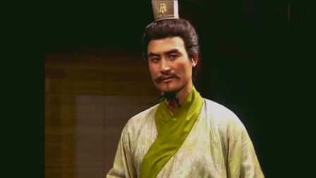 三国演义:陈登给车胄出主意欲除掉刘备,转头便给关羽张飞报信!