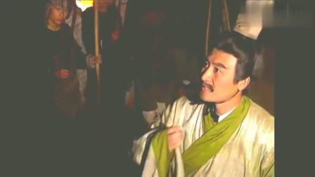 三国演义:车胄中计,被关羽一刀杀死!