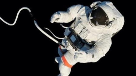 """霍比特人的""""福音"""",太空失重可以长个儿!"""