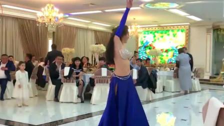 """肚皮舞:""""灵魂舞者""""!俄罗斯姑娘表演的婚礼舞蹈"""