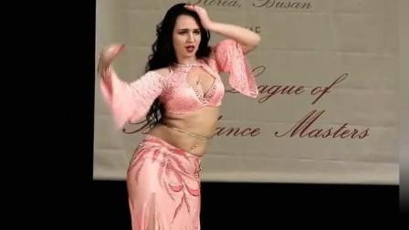 """肚皮舞:字典中的""""娉婷婀娜"""",看完俄罗斯舞娘的表演,我懂了"""