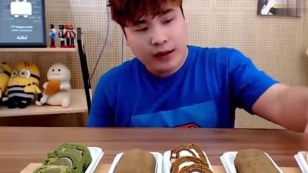 吃播:韩国小胖大胃王吃蛋糕,抹茶蛋糕、巧克力蛋糕都有