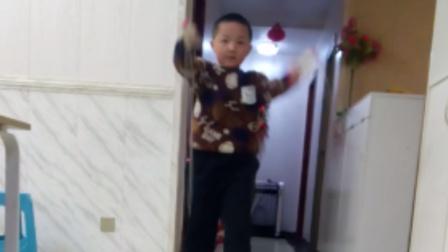 小男孩跳绳真棒!!!