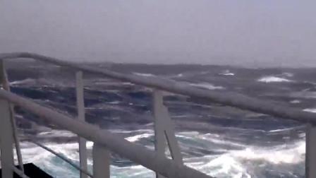 这不是灾难片,这是真实的海上风暴