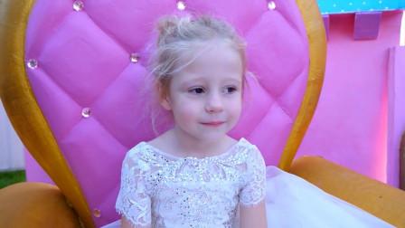 萌娃小可的公主梦终于实现了,小家伙的这身打扮可真是漂亮呢!