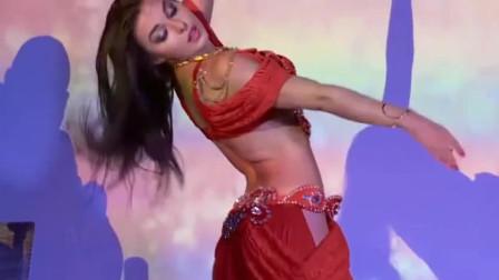 肚皮舞:近距离观看肚皮舞老师的表演,绚丽的舞姿,展现精彩的绝技