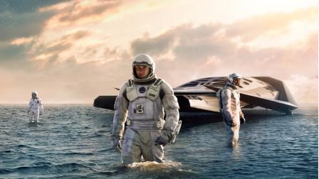 细读经典 66: 诺兰这部9.2分的科幻神作《星际穿越》到底神在哪里?