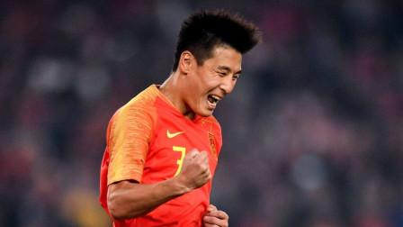 看到西班牙球迷激动喊出武磊的名字,这一刻他是全中国球迷的骄傲