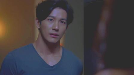 """星途叵测:谭坤以为是艾欧敲的门,开门才发现是这个""""恶毒""""女人"""