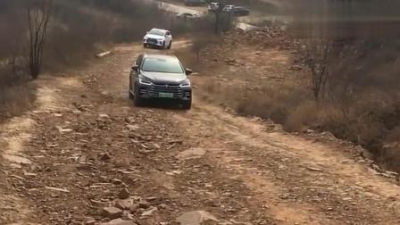 国产电动汽车比亚迪唐爬坡,性能怎么样自己看!
