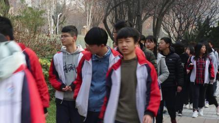 西安外事学院迎来千名高中看校团,热火朝天