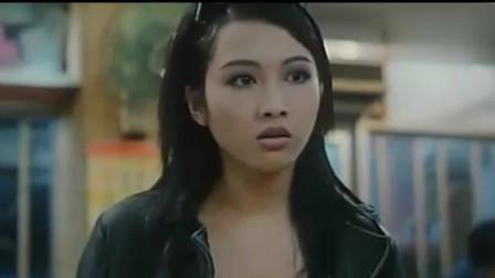 香港黑帮电影:因为偷车的事,小结巴找了飞鸿哥,浩南山鸡也把大哥叫了过来
