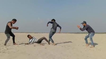 印度搞笑视频合集,用嘴巴给树浇水的方法,也