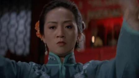 美女打麻将前祭拜祖先,手气瞬间就上来了,直接胡了个清一色