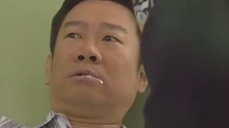 虎胆雷霆:警察病房里审问男子,男子听到警察话后口吐白沫!