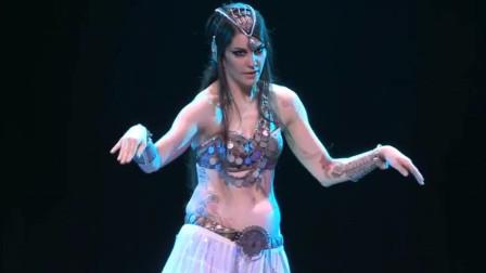 肚皮舞:美女肚皮舞加入机械舞的元素,动感十足,赏心悦目