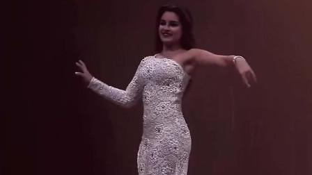 肚皮舞:美女的肚皮舞表演,跳得真棒!看过还想看
