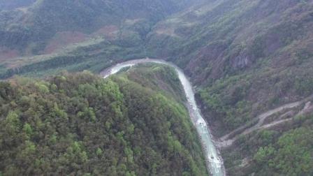 西藏帕隆藏布江合并处,有一处原著民门巴族,能来这的都是英雄!
