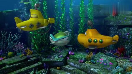 蛙蛙三人在海底玩耍,结果蛙蛙意外发现石板,让三人兴奋