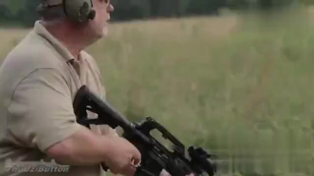 国外大叔野外试射M-16步枪,射击测试结果让大叔很满意
