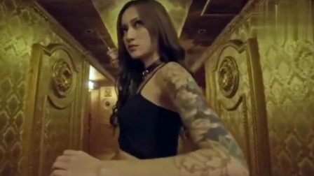纹身美女特工吊打小混混,这花臂纹的真是太漂亮了!人美还这么能打