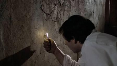 男子住进刚人的凶宅,深夜在墙上发现个小洞,里面的东西太渗人