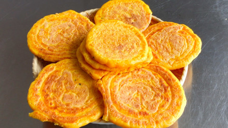 南瓜做黄金小饼太好吃了,凉了也是软的,不喝汤也能吃5张