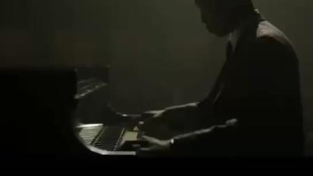 最近大热的《绿皮书》,里面的弹钢琴居然都是特效