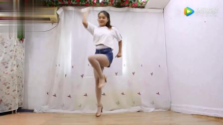 广场舞《快乐的人来跳舞》这舞姿你给打几分?