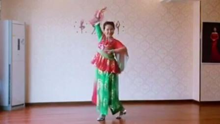 美久广场舞舞蹈技巧揭秘柔美抒情舞女...