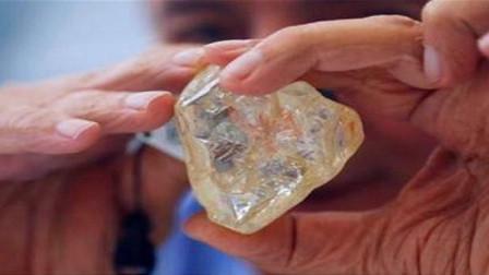 非洲的钻石价格低廉,为什么很多游客却不买?原因让非洲人很尴尬