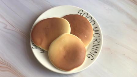 孩子不愿意吃早餐,可以试试这款舒芙蕾松饼,搭配牛奶,营养健康又好吃