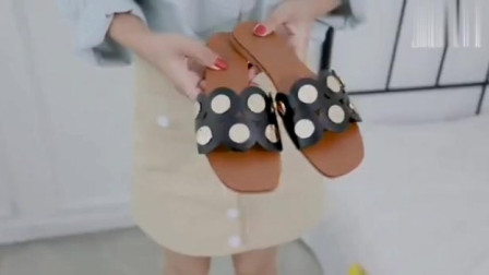 4双优质平底鞋,怎么穿都好看!