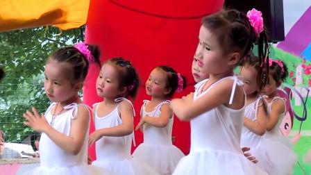 幼儿舞蹈《轻轻地告诉你》2019幼儿园中班元旦六一儿童舞蹈