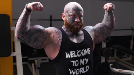美国男子加入黑帮,被捕入狱苦练肌肉,出狱后办健身房成人生赢家!