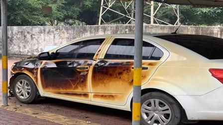 爆蕉头条 南宁一小区突发火灾300多辆电动车被烧