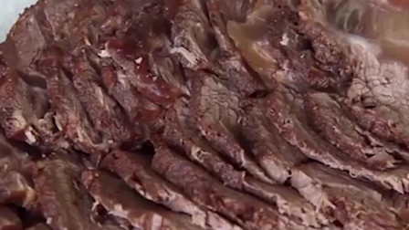 卤牛肉的家常做法,配料简单更能吃出牛肉本身的香味!