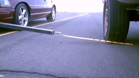 现今国际警方截停车辆的行动及工具