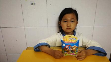食玩视频熊出没之熊熊乐园 熊大熊二旋风卡玩具
