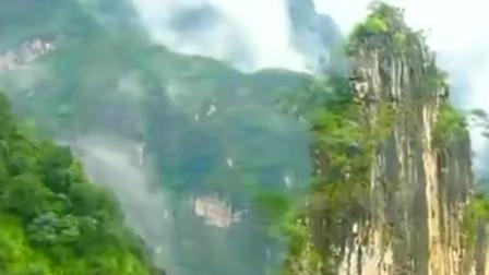 航拍中国:长江巫峡全貌,美的让人无法用语言形容!