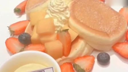 网红舒芙蕾的制作过程,挤出奶油,感觉到满屏的香味!